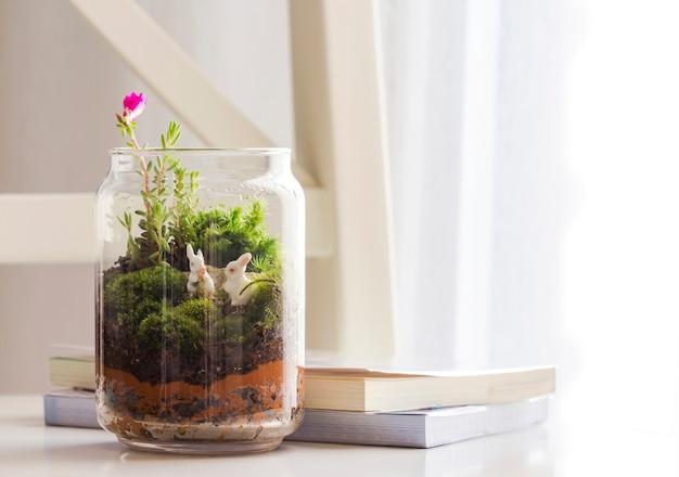 Bouteille de décoration de jardin dans le salon Photo Premium