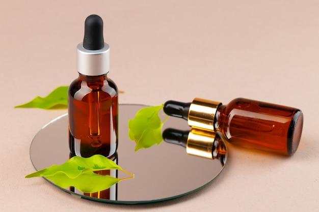 Bouteille D'huile De Beauté Avec Pipette Photo Premium