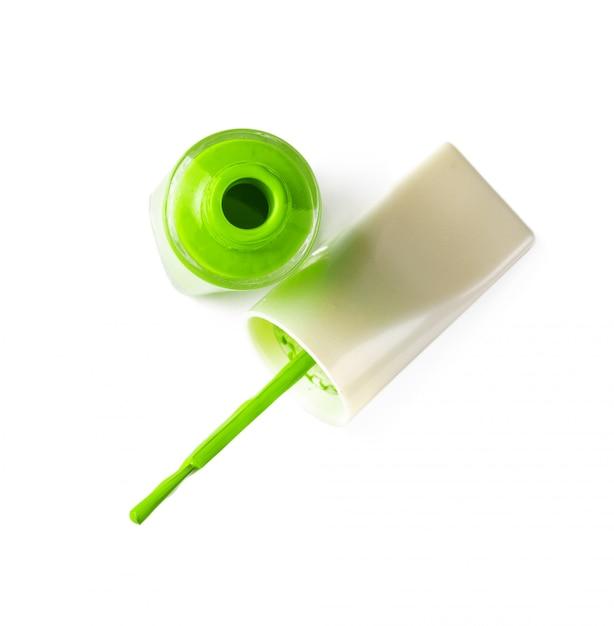 Bouteilles de vernis à ongles de couleur vive avec gouttes Photo Premium