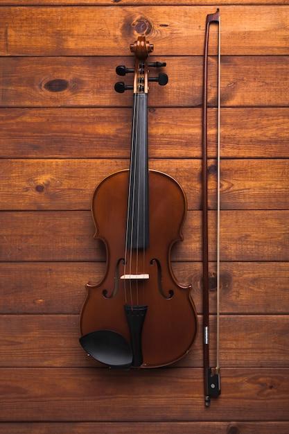 Bow près du violon Photo gratuit