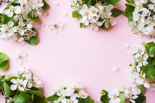 Branche florifère de printemps rose Photo Premium