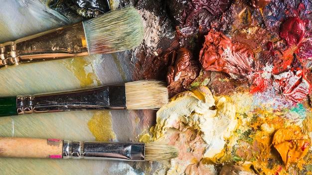 Brosses se trouvant sur la palette Photo gratuit