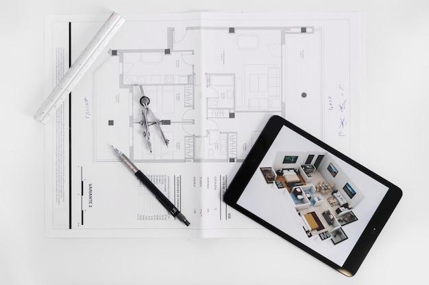 Brouillon sous tablette et outils Photo gratuit