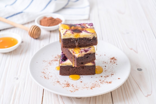 Brownies au fromage myrtille Photo Premium