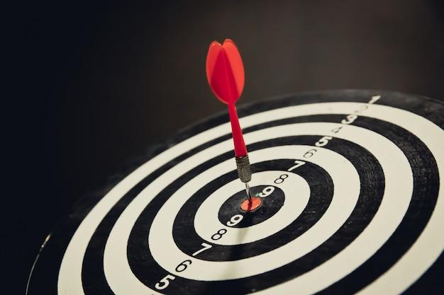 Bullseye est une cible d'activité et de concept gagnant gagnant. Photo Premium