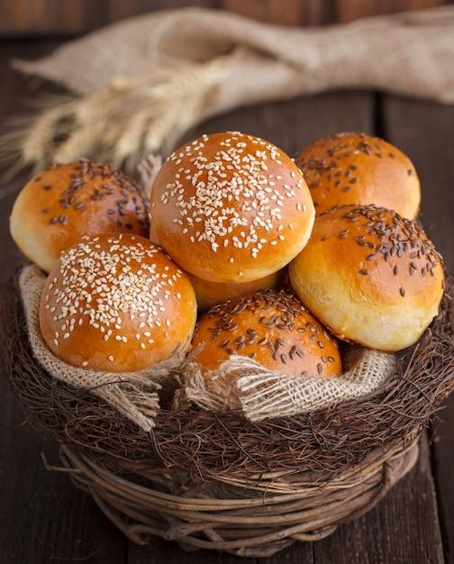 Bun aux graines de lin et graines de sésame Photo Premium
