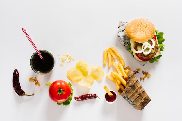 Burger Plat Et Frites Avec Soda Photo gratuit