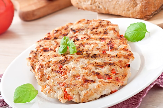 Burgers De Poulet Grillés Photo Premium