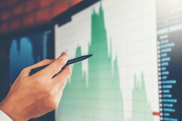 Business man investment entrepreneur trading discussion et analyse graphique stock Photo Premium