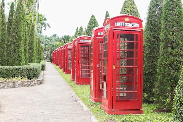 Cabine téléphonique rouge britannique Photo Premium