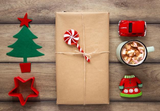 Cadeau Emballé Et Décorations Faites à La Main Photo gratuit
