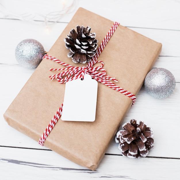 Cadeau De Noël Avec Carte Vierge Jointe Télécharger Des