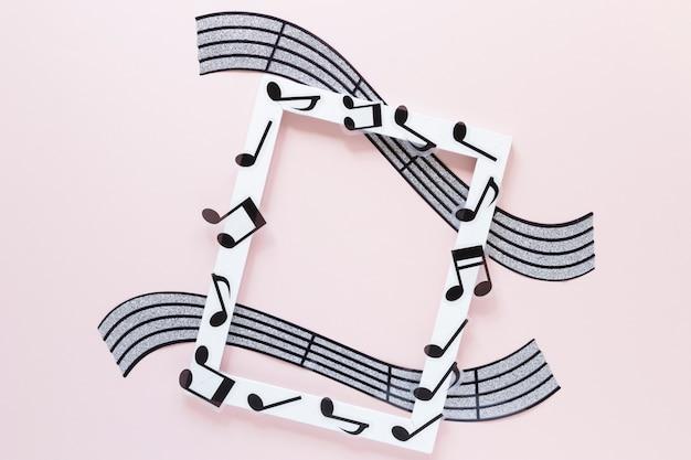 Cadre blanc vue de dessus avec thème musical Photo gratuit