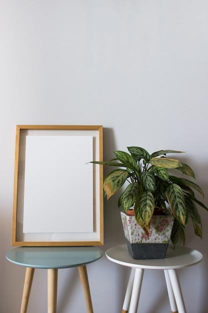 Cadre en bois de décoration pour affiche ou photographie Photo gratuit