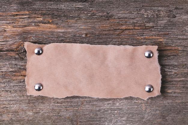Cadre En Carton Sur La Texture En Bois Photo gratuit