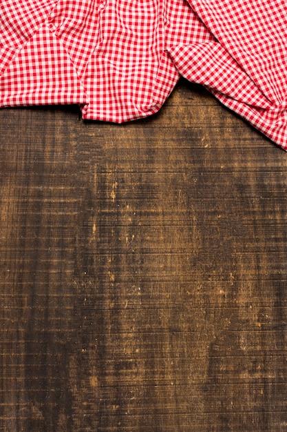 Cadre de drap rouge plat avec espace de copie Photo gratuit