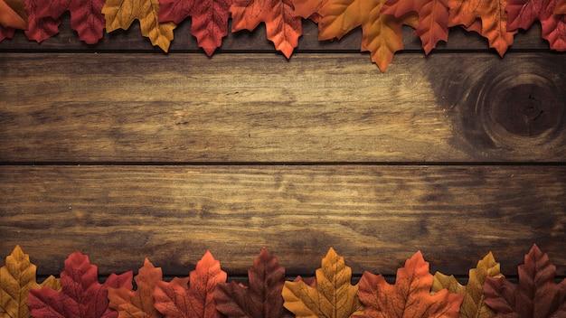 Cadre de feuilles d'érable automne Photo gratuit