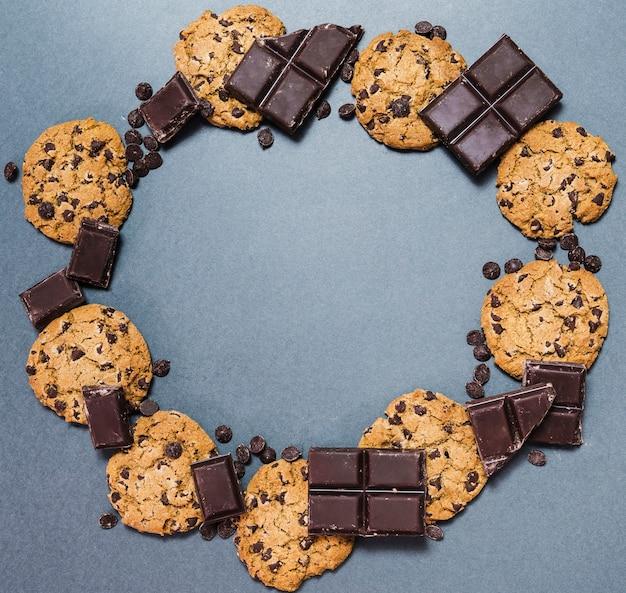 Cadre de nourriture circulaire vue de dessus avec des cookies Photo gratuit