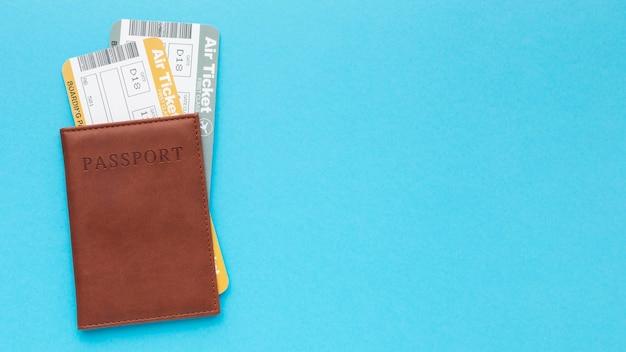 Cadre De Passeport Et Billets Vue De Dessus Photo gratuit