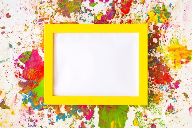 Cadre photo entre couleurs sèches vives Photo gratuit