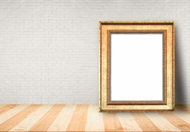 Cadre photo posé sur la table Photo Premium