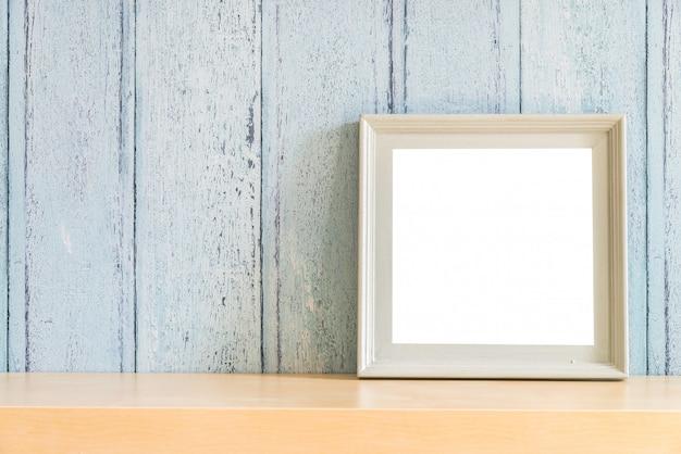 Cadre photo vierge en bois vintage avec design concept été Photo gratuit