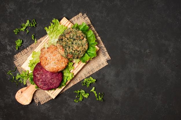 Cadre plat à poser des aliments sains avec copie Photo gratuit