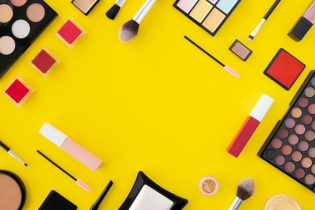 Cadre De Produits De Maquillage Photo gratuit