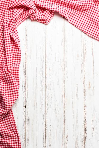 Cadre en tissu rouge avec espace de copie Photo gratuit