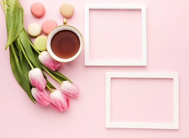 Cadres Et Tulipes Photo gratuit