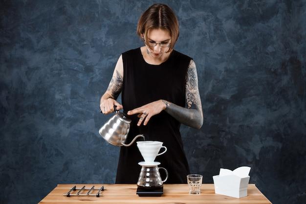 Café Barista Masculin Photo gratuit