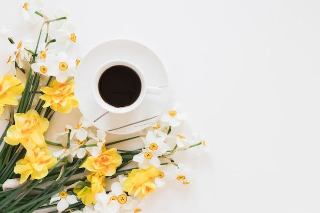 Café Et Fleurs Photo gratuit