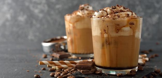 Café Frappé à La Crème Photo Premium