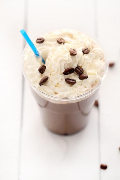 Café glacé à la crème fouettée Photo gratuit