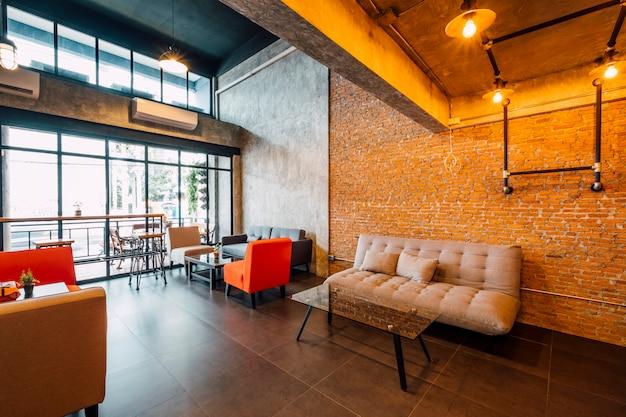 Café et salon style loft Photo gratuit