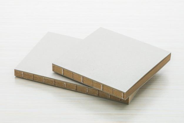 Un Cahier Blanc Se Moque Photo gratuit