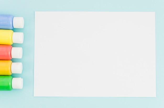 Cahier vue de dessus avec trait de peinture Photo gratuit