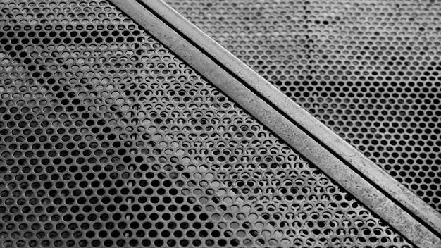 Caillebotis en acier circulaire sur le chantier. Photo Premium