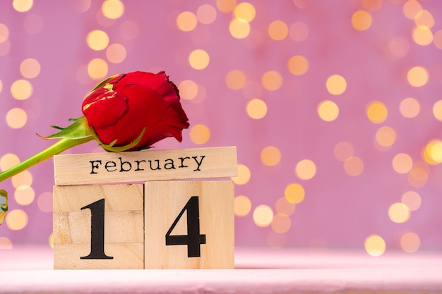 Calendrier En Bois Du 14 Février Sur Bokeh Rose Photo Premium