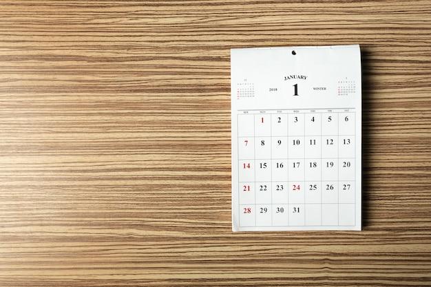 Calendrier sur table en bois Photo Premium