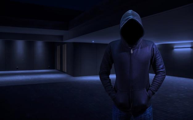 Cambrioleur à domicile dans un voleur pénétrer dans la maison. Photo Premium