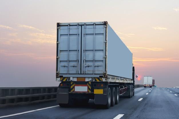 Camion, route, route, conteneur, transport, transport terrestre, asphalte Photo Premium