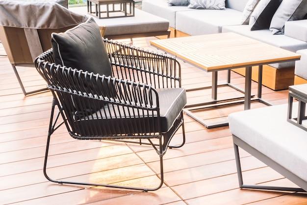 Canapé avec extérieur Photo gratuit