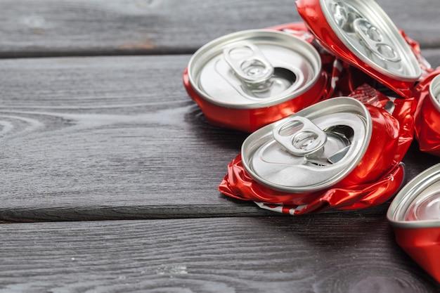 Canettes En Aluminium. Recyclage. Photo Premium