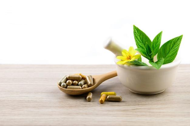 Capsule à Base De Plantes, Vitamines Et Suppléments Naturels à Base De Plantes Photo Premium