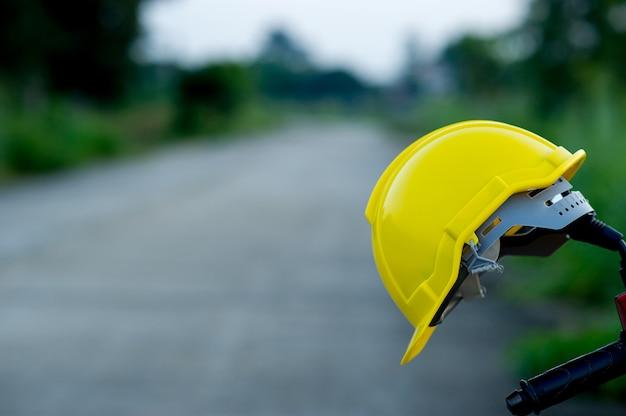 Capsules d'ingénierie posées sur du papier Photo Premium