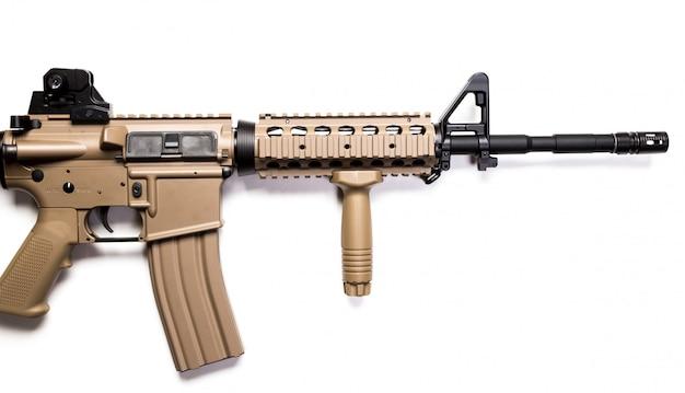 Carabine Des Forces Spéciales Isolé Sur Un Blanc Photo Premium
