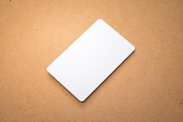 Carte blanche sur fond en bois Photo Premium