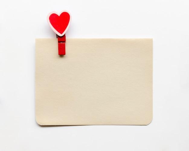 Carte Avec Crochet En Forme De Coeur Photo gratuit