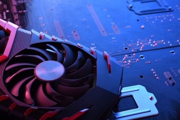 Carte Graphique De Jeu D'ordinateur, Carte Vidéo Avec Deux Refroidisseurs Sur Circuit Imprimé Photo Premium